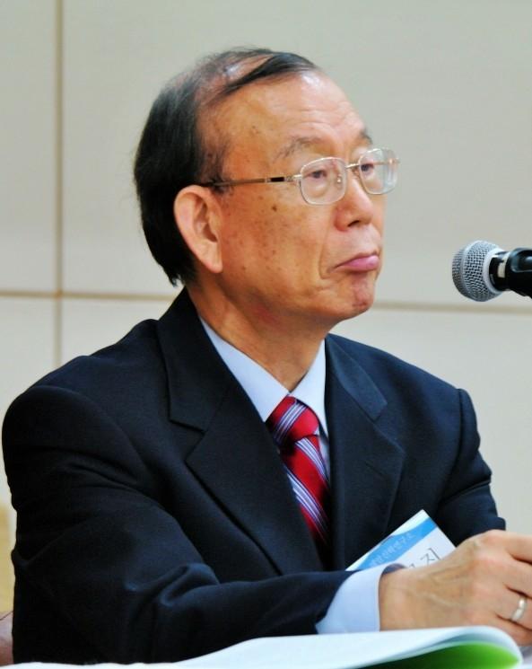 김균진 박사