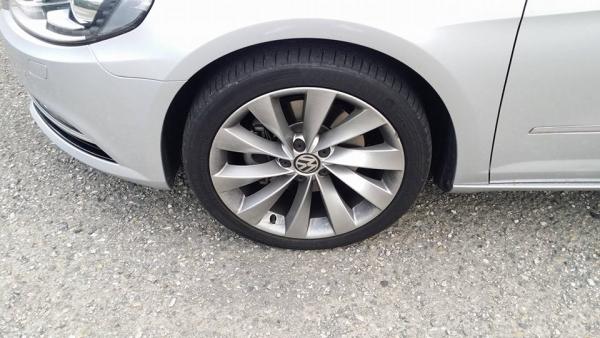 ▲휠과 타이어(사진제공=박성민 기자)