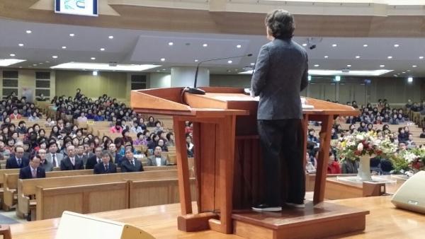 명성교회에서 특강을 전하고 있는 최원호 박사.