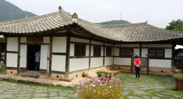 전북 금산교회(기역자 교회)