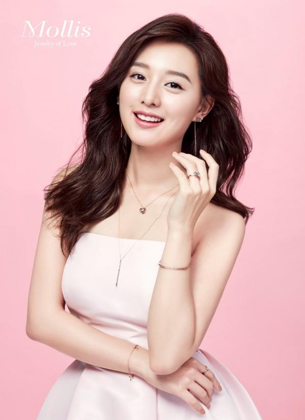 주얼리 브랜드 '몰리즈' 모델로 발탁된 배우 김지원