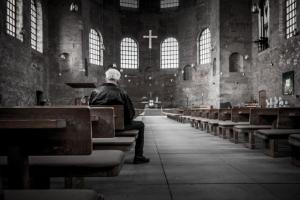 기도 성당 교회당 예배당 텅빈 성전
