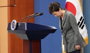 박근혜 대통령  대국민 담화 발표 후 인사