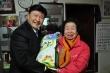 한국교회연합(대표회장 정서영 목사, 이하 한교연)은 지난 23일 오전 11시 서울 난곡 낙골지역 예성교회(김영해 목사) 세움공동체에서 사랑의 쌀 1,000kg을 쪽방촌 어르신 100여 명에게 전달하고 이들을 위로했다.