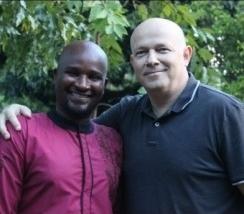 피터 야섹(Petr Jašek) 선교사(오른쪽)와 수단 현지인의 모습.
