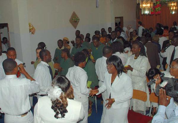 리비아의 한교회 예배.