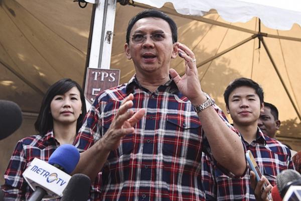 중국계 기독교인으로서 사상 첫 재선에 도전하는 바수끼 짜하야 뿌르나마 주지사