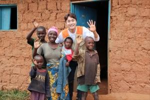 (사진제공=월드비전)마을 사람들로부터 배척당하는 클레마틴 가족을 만났다 (5)