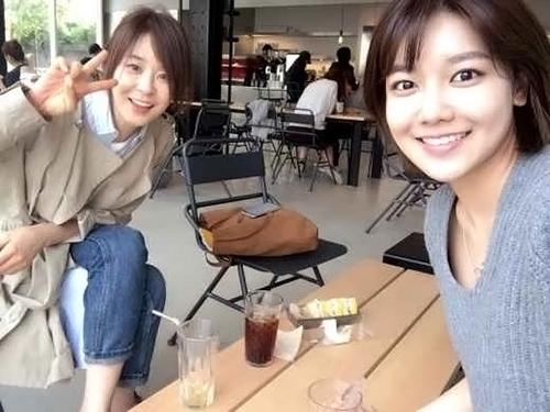 최강희와 수영 셀카