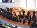 26일 열린 새노래명성교회 임직예식에서 안수집사 52명이 안수기도를 받고 있다.