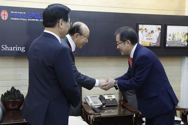 자유한국당 홍준표 대통령 후보 조용기 목사 이영훈 목사