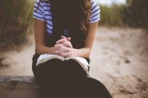 기도하는 이미지