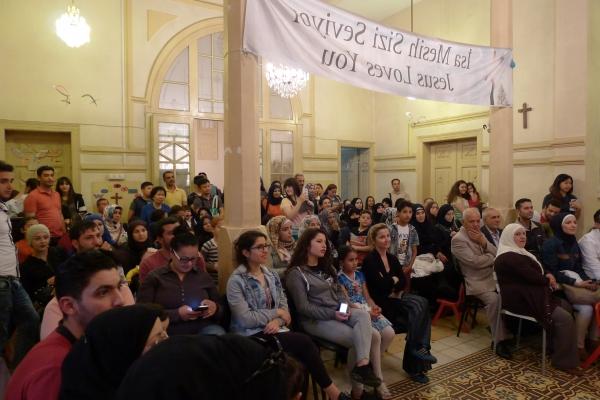한 자리에 모인 한국과 터키, 시리아인들.