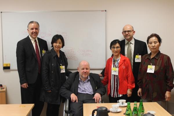 왼쪽부터 에릭 폴리목사, 폴리현숙박사, Jan Filip Libicki 의원, 김지애선교사, 폴란드VOM 마체이 대표, 박혜영선교사