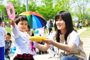 다문화 가정의 어린이들 800여명이 어린이날 행사