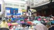우천에도 불구, 한국교회의 뜨거운 기도는 사그러들지 않았다. 15일 낮 서울시청광장에서 동성애 퀴어문화축제가 열린 가운데, 건너편 대한문 광장에서는 한국교회 연합으로 개최한 '동성애퀴어축제반대 국민대회'가 열렸다.