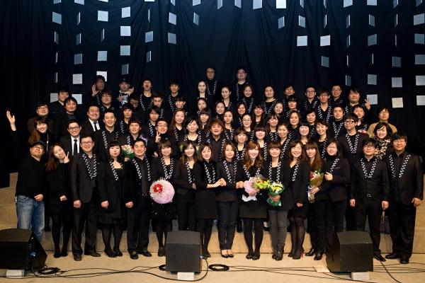 한국교회의 대표적인 찬양 선교단 '옹기장이'(단장 정태성)가 창단 30주년을 맞이하여 오는 2017년 9월 23일(토) 'Soli Deo Gloria'(오직 주님께 영광을)이라는 타이틀로, 꽃재교회(김성복 목사)에서 30주년 기념 콘서트를 개최한다고 발표했다.