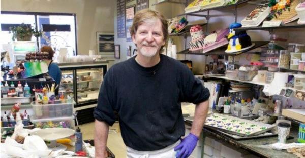 자신의 기독교 신앙에 반한다는 이유로 동성커플의 웨딩케이크 주문을 거부한 빵집 주인 잭 필립스