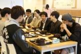 (사진2)장순흥 총장과 김기찬 총학생회 회장 등이 지난 16일 학생 식당에서 '총장님과 함께 하는 아침 식사' 이벤트로 준비한 무료 아침밥을 같이 먹었다