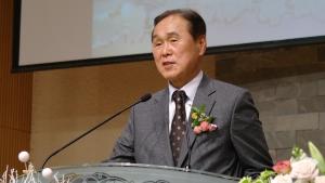 서현교회 원로목사로 추대된 김경원 목사.