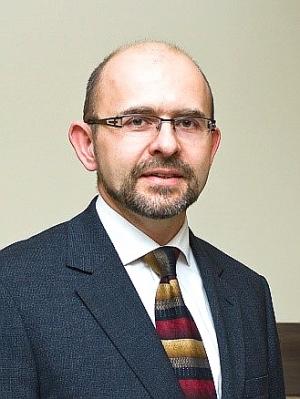 마첵 윌코스 목사(The Rev. Maciej Wilkosz)