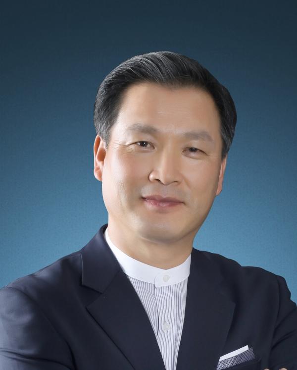 세성협 대표회장 이수형 목사.