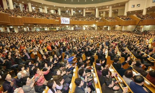 여의도순복음교회(담임 이영훈 목사)는 지난 26일부터 31일까지 고난주간 특별새벽기도회