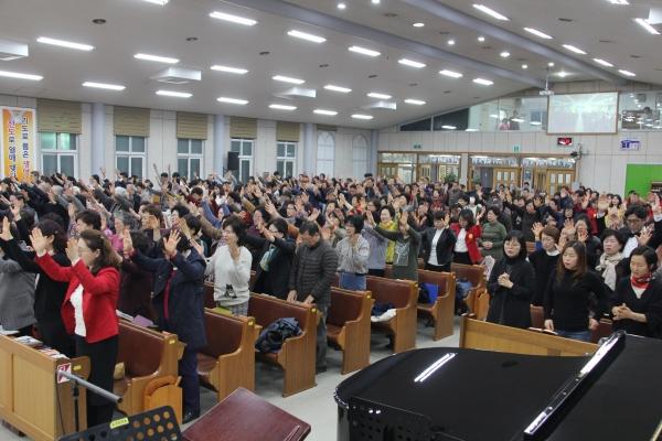 세계성령중앙협의회 창립 29주년 기념 2018 춘천성령성회가 3월 25일부터 28일까지 매일 저녁 순복음춘천교회(담임 이수형 목사)에서 열렸다.