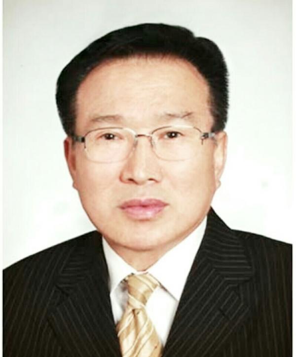 예하성 신임총회장 임웅재 목사.