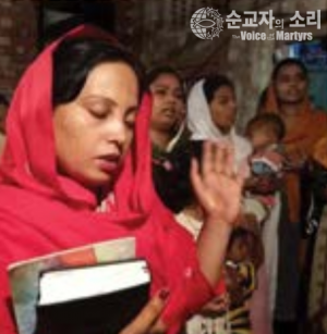 예멘 기도하는 예배하는 사람 순교자의소리