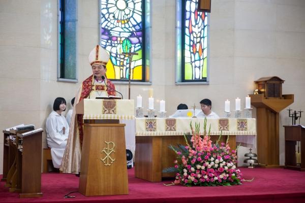 지난 6월 23일 천안 원성동 성 십자가성당에서 열린 제31차 전국의회(시노드)에서 제16대 대한성공회 관구장 유낙준 모세 주교가 의장주교로 취임했다.