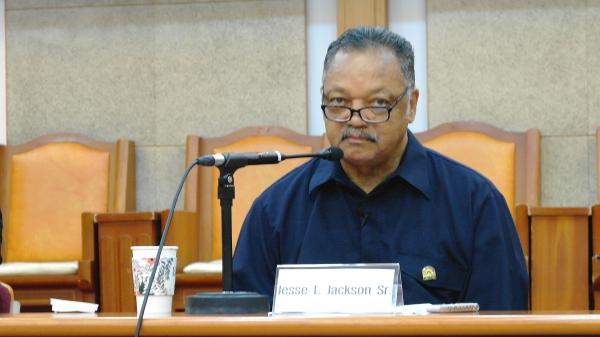 제시 잭슨 목사.