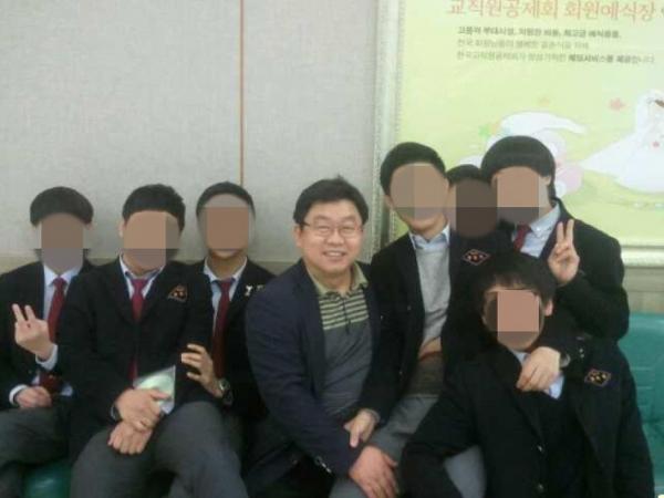 故송경진 교사
