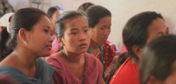 네팔의 소녀들.
