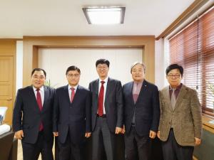 저출산 문제 해소를 위한 한국 기독교 출산장려운동을 진행하고 있는 세계성시화운동본부는 서울신학대학교와 출산장려운동을 협의했다.