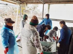광림남교회 연탄나르기