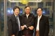 (사진 좌에서 우)장순흥 한동대 총장, 예르윈(Ye Lwin) 만달레이 시장, 신소(Sint Soe) 만달레이기술대학교 총장이 협력을 다짐하며 악수하고 있다