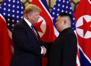 도널드 트럼프 미국 대통령과 김정은 북한 국무위원장(사진=VTV)