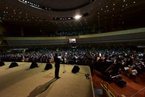 '한가족의 날' 세계선교센터를 꽉 채운 숫자 6천여 명.