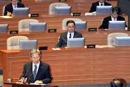 국회 대정부질문에 나선 김관진 국방부 장관