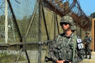 군사분계선 지키는 국군