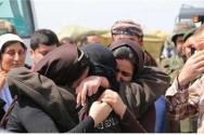 IS에 집단 납치되었다가 풀려난 소수 야지디족 여성들. 이슬람 율법으로 통치하는 국가를 표방하는 IS는 타종교 여성들에 대한 성노예와 매매를 종교적으로 합리화 시켰다.