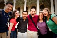 청년 대학생들