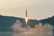 북한이 정밀조종탄도탄을 발사하는 모습(사진=노동신문 자료)