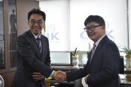 청와대 하승창 사회혁신수석(왼쪽)과 한교연 대표회장 정서영 목사.