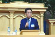 예장합동 이대위원장 진용식 목사가 강연을 전하고 있다.