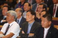 제102회 총회 총대들이 발언에 결청하고 있다. 아래 기사와는 무관함