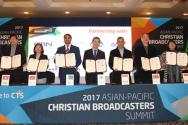 ACMA 창립을 위한 MOU를 체결한 아시아-태평양 기독교 방송사 대표들