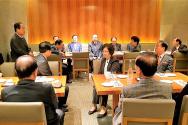 한국기독교연합(대표회장 이동석 목사)은 지난 4월 16일 서울 플라자호텔에서 40여 명이 참석한 가운데 회원교단장 간담회를 개최하고 한국교회 일치와 연합을 위해 더욱 힘을 모으기로 다짐했다.