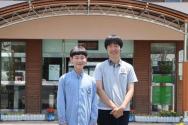 길에서 주운 지갑을 주워 주인에게 돌려준 서귀포중학교 학생들